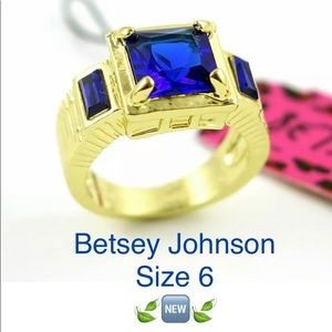 Betsey Johnson Blue  Stone Ring SZ6 ~NEW